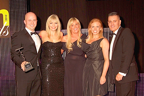 The team from 29 collect the SLTN Award for Best Smoking Facilities.