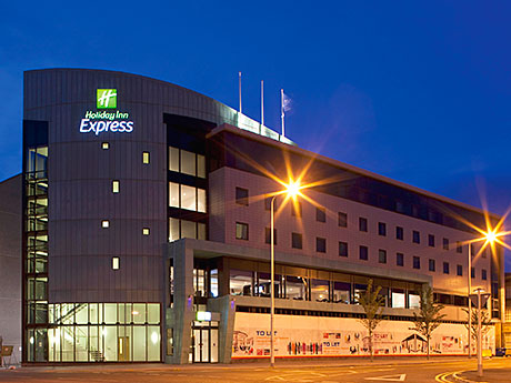 THE Holiday Inn Express in Dundee has been bought out of administration.
