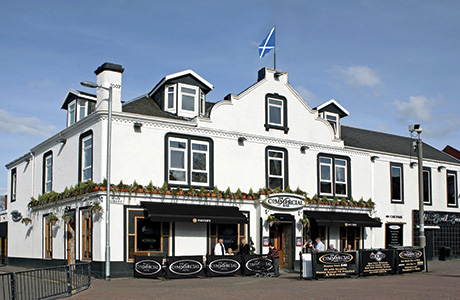 • The Commercial Hotel, Bar & Club in Wishaw picked up the 2014 SLTN Beer Quality Award.