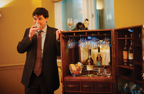 • Dr Bill Lumsden sampling Glenmorangie Tùsail at the Balmoral Hotel.
