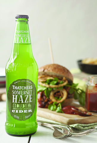 Thatchers Somerset Haze with Pulled Chicken Burger_lr