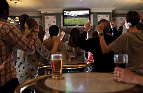 061Sky sport in pubs