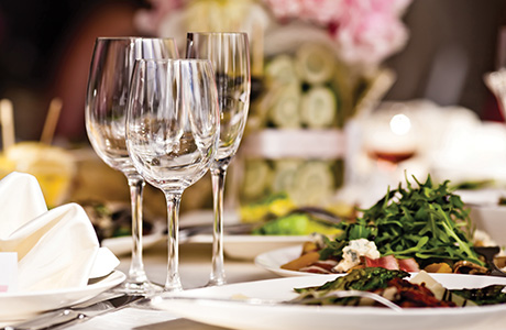 shutterstock_restaurant table with glasses