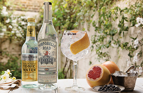 Portobello Road Copa with bottle and tonic