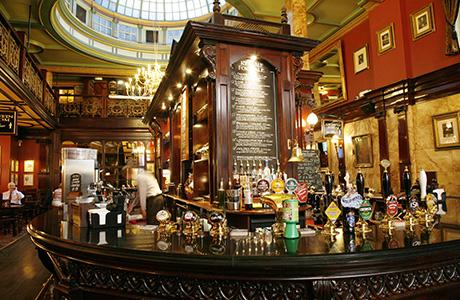 Pub interior (Shutterstock)