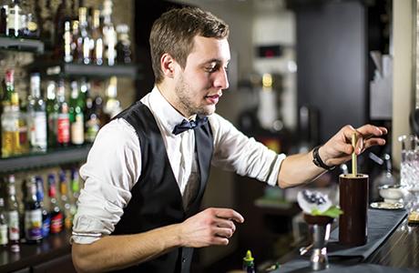 barman mixing