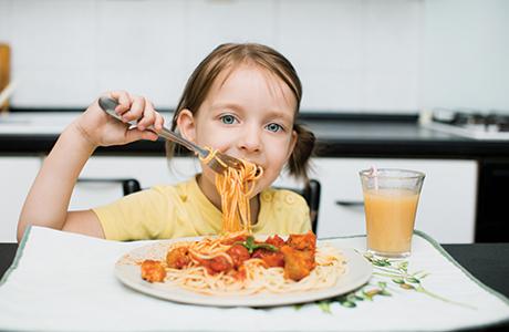 shutterstock_kid eating spaghetti