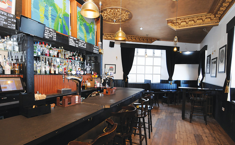 008_Newport bar 1