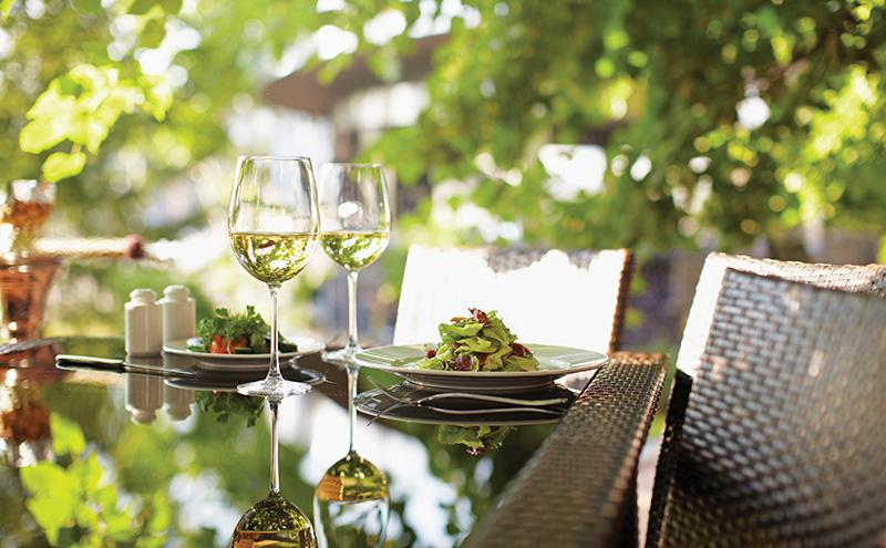 Wine, outdoors