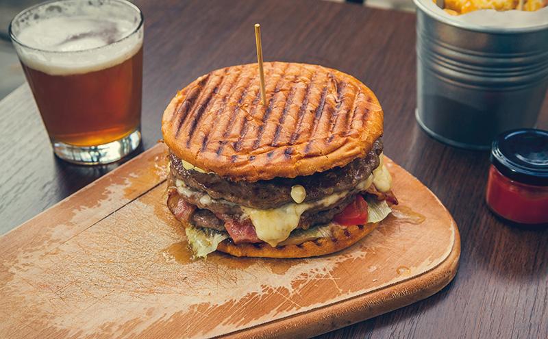 009_burger and pint