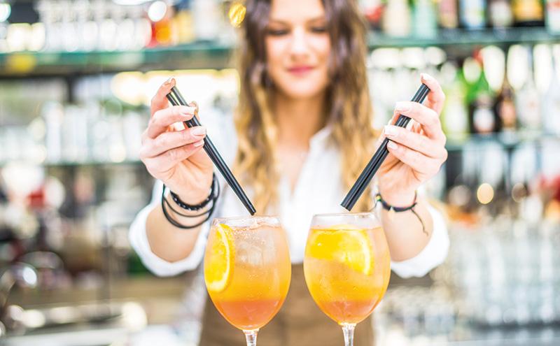 bartender-cocktail