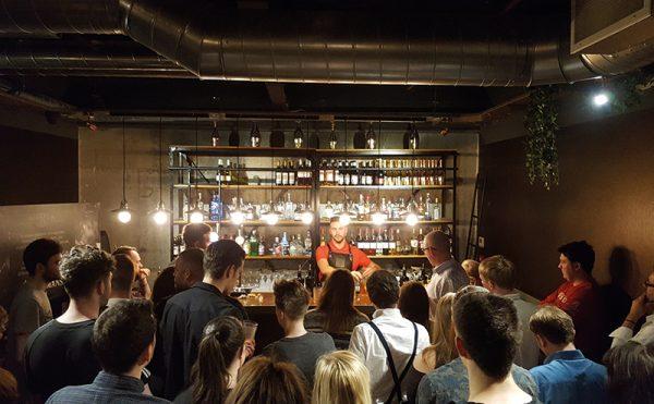 Bartenders join gin masterclass