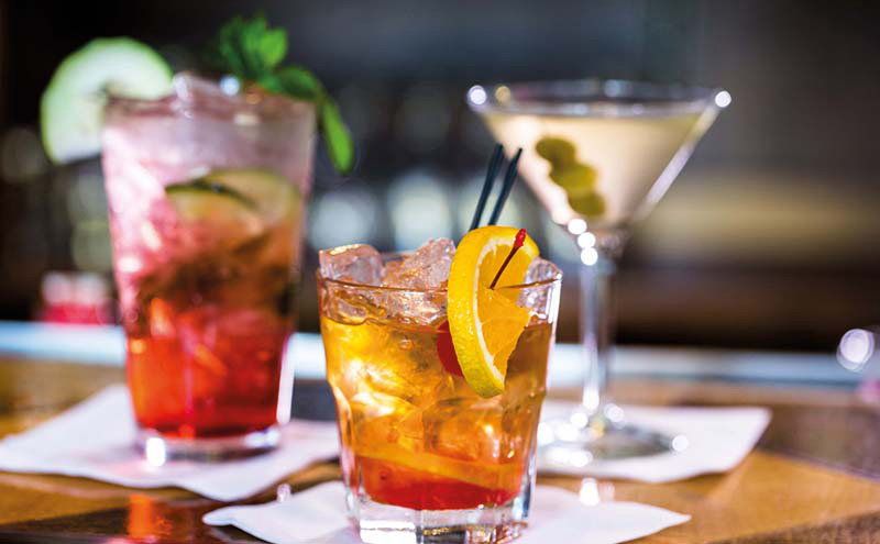 shutterstock_drinks on bar