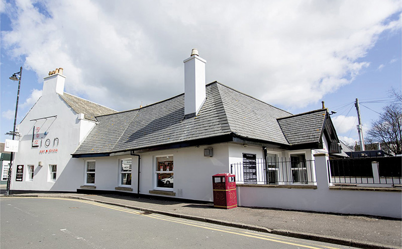 • The Red Lion is located in Prestwick.