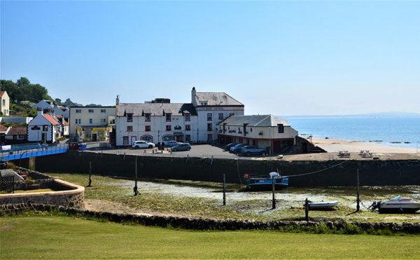 Harbouring a coastal move
