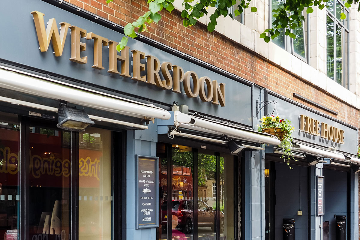 Wetherspoon bar