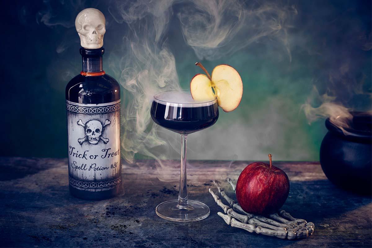 halloween-drinks-serves