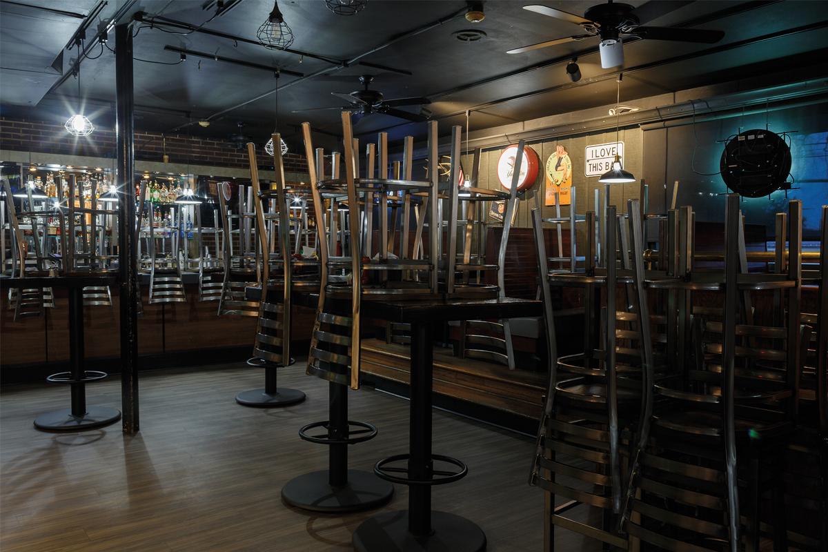 Empty pub pic interior